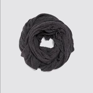 NWT. Zara Gray Wool Blend Scarf.